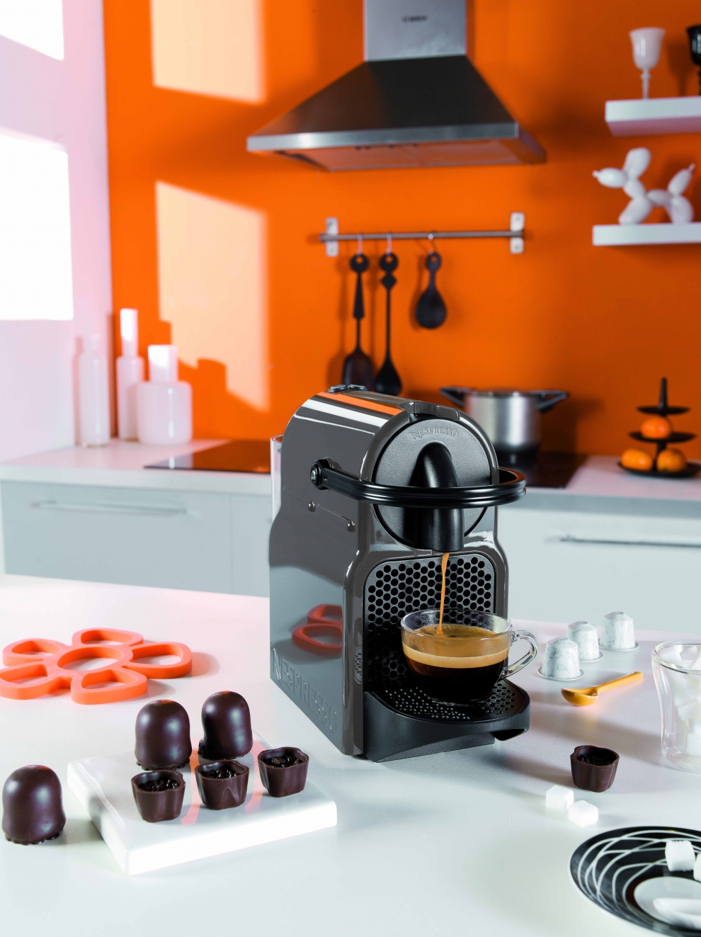 magimix nespresso m130 inissia gris magimix 11353. Black Bedroom Furniture Sets. Home Design Ideas