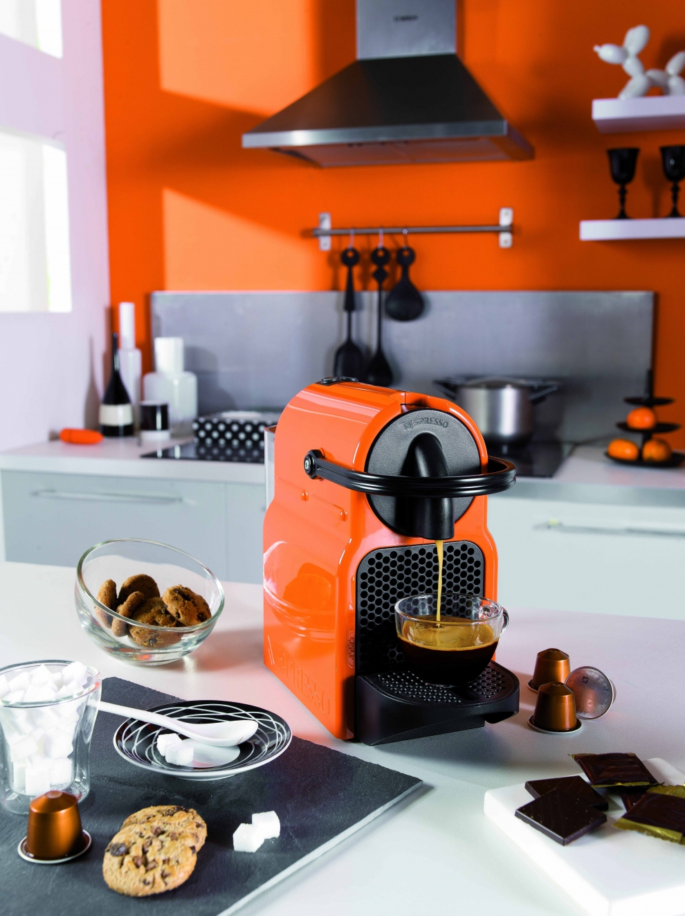 magimix nespresso m130 inissia orange magimix 11352 11352 achetez au meilleur prix chez. Black Bedroom Furniture Sets. Home Design Ideas